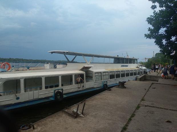 Речной трамвайчик в Запорожье / фото: Анна Покровская