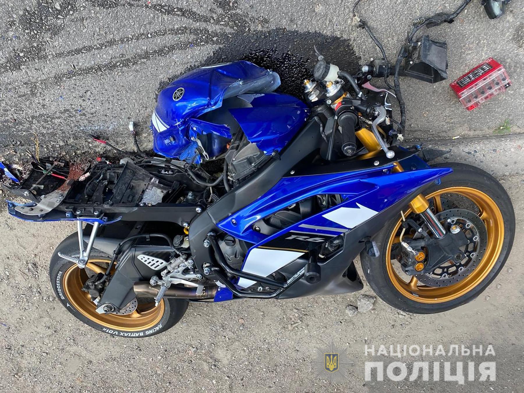 """Водитель мотоцикла умер в """"скорой"""". Фото: ГУНП"""