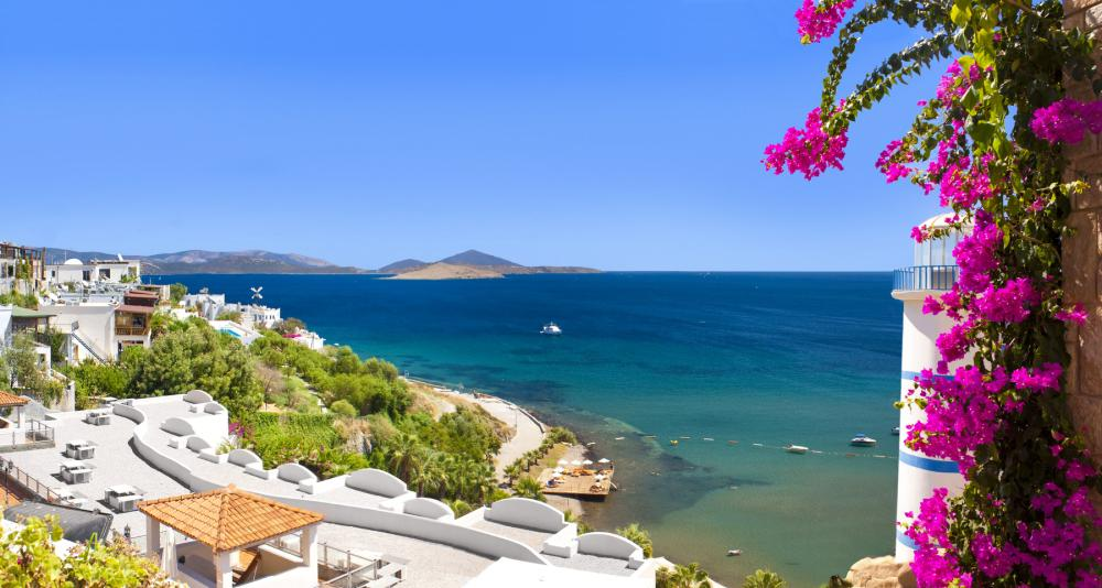 Отпуск 2020: стоит ли мечтать об отдыхе за границей в этом году