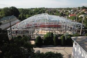 Единственная в Украине: в Запорожье продолжают строительство оранжереи фото 1