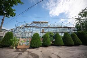 Единственная в Украине: в Запорожье продолжают строительство оранжереи фото 2