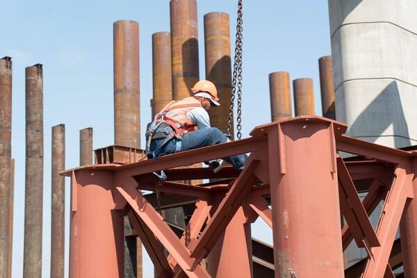 Роботы кипят: как проходит строительство запорожских мостов (фото) фото 5