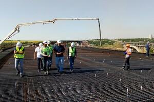 Принялись к монтажу: как проходит строительство запорожских мостов фото 2